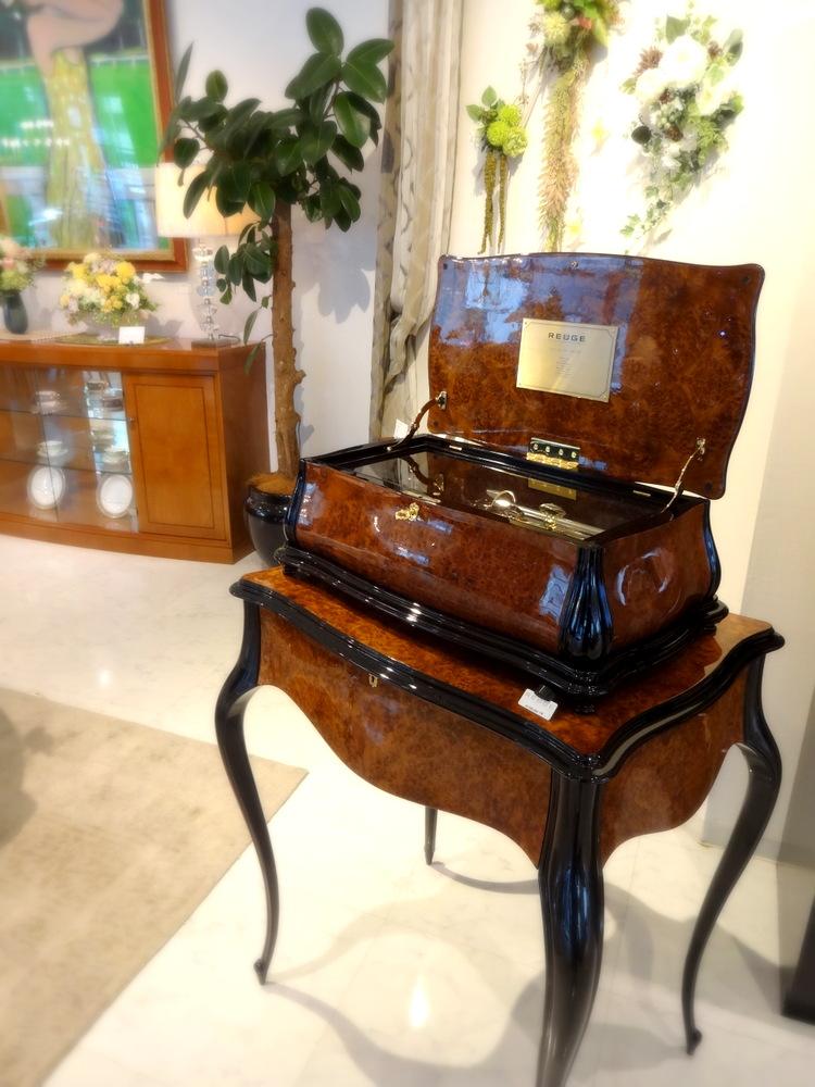 http://www.karimoku.co.jp/blog/domani-nihonbashi/DSC01987.JPG