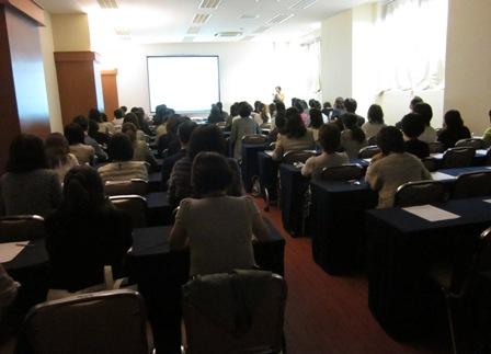 http://www.karimoku.co.jp/blog/domani-nihonbashi/IMG_0627_.jpg