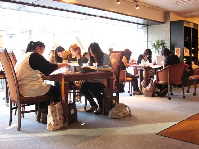 http://www.karimoku.co.jp/blog/domani-nihonbashi/IMG_1164.jpg