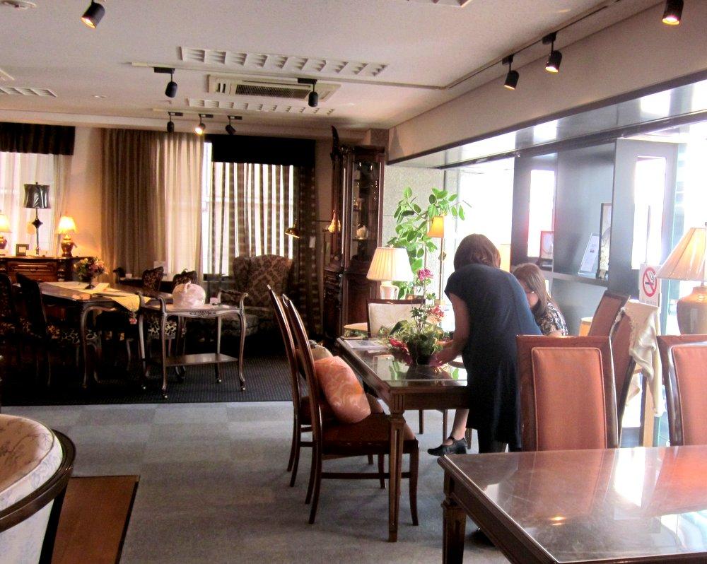 http://www.karimoku.co.jp/blog/domani-nihonbashi/IMG_4022.JPG