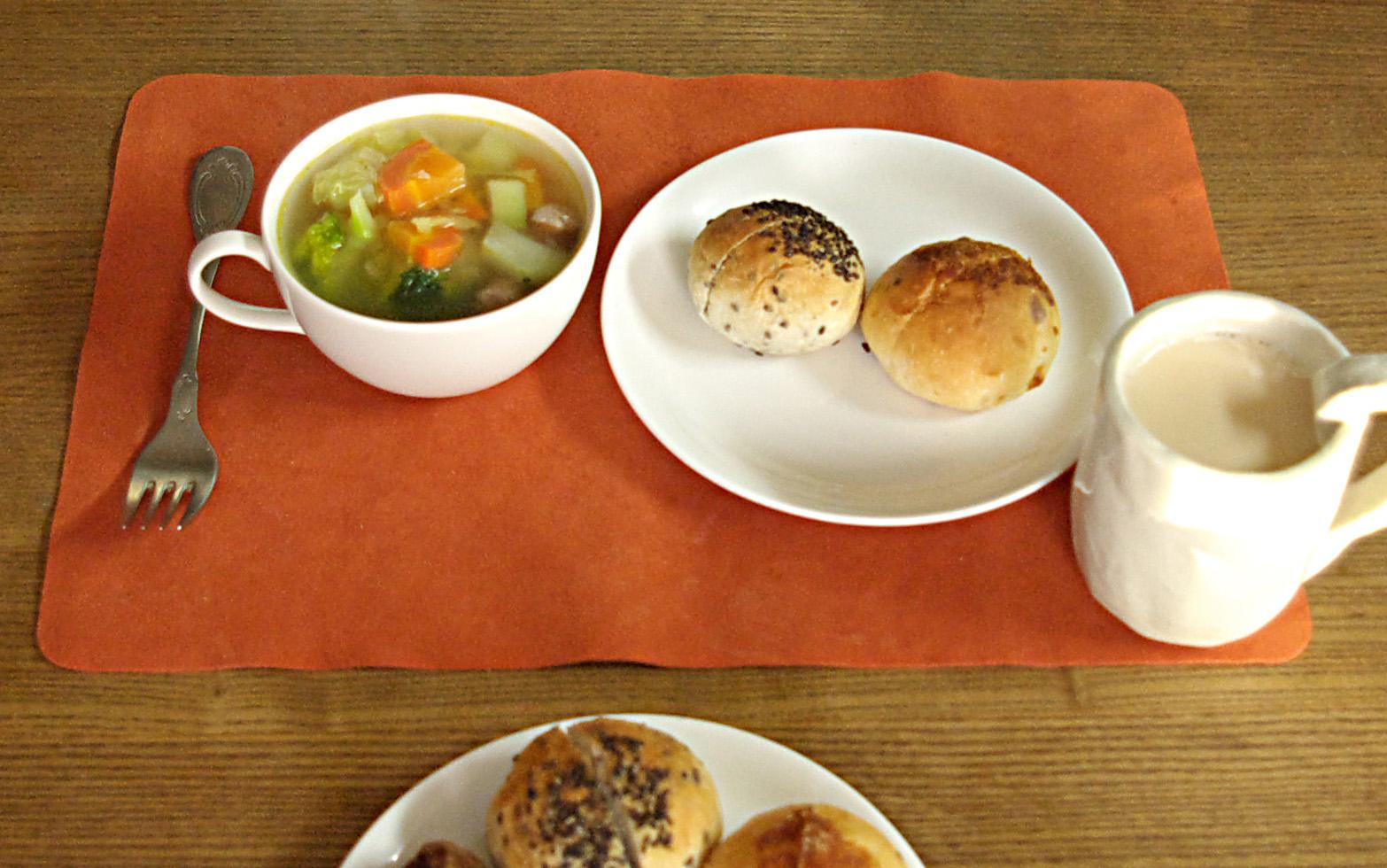 http://www.karimoku.co.jp/blog/kidsinterior/Breakfast.jpg