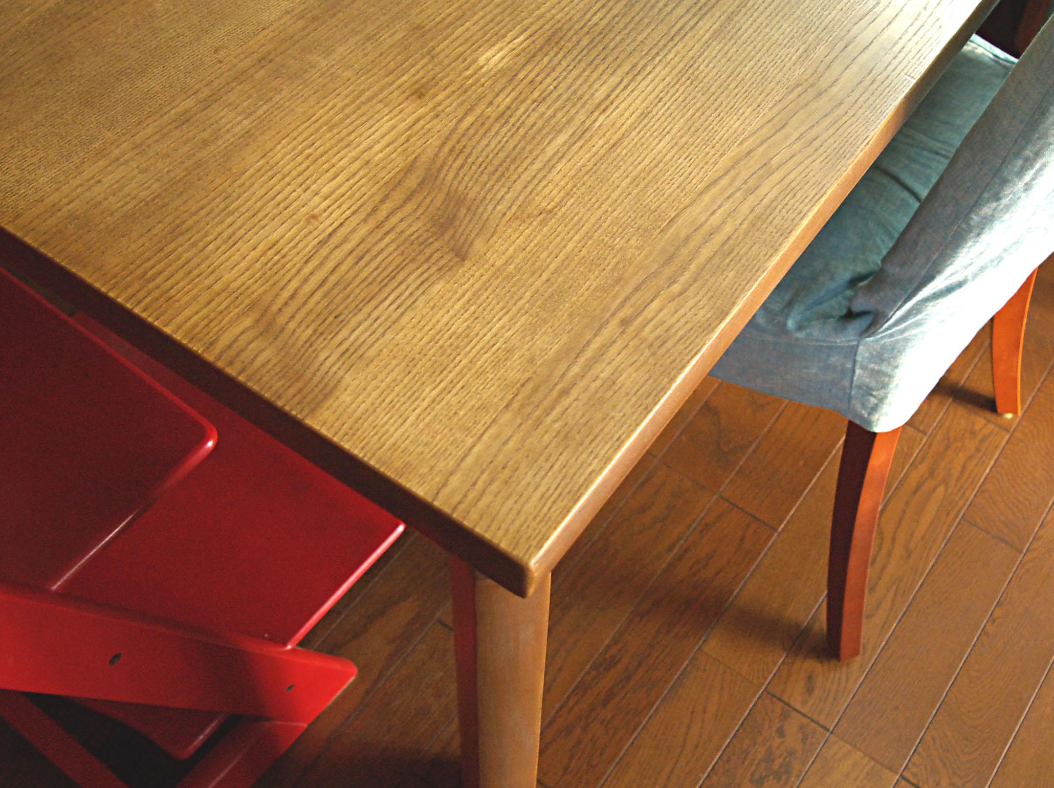 http://www.karimoku.co.jp/blog/kidsinterior/Table.jpg